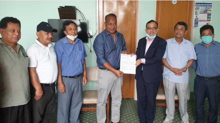 उवासंघ-चितवनद्वारा नेपाल सरकार समक्ष ज्ञापन-पत्र प्रस्तुत