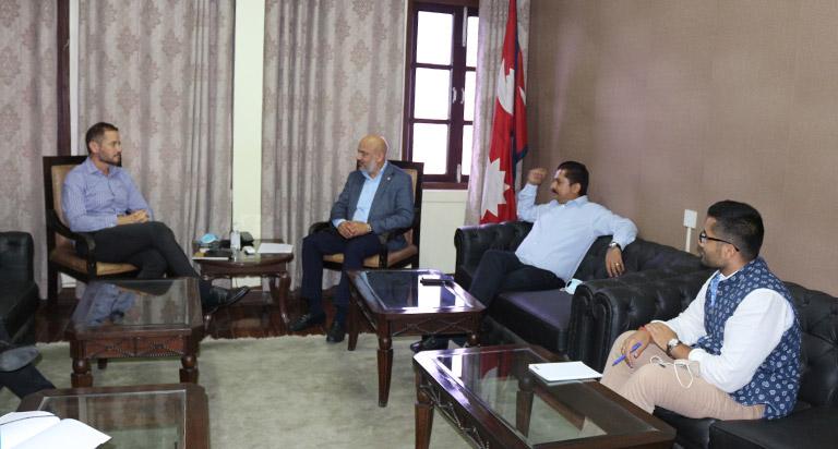 महासंघका अध्यक्ष गोल्छा र आइएलओ नेपाल कार्यालयका निर्देशक हवार्ड बीच भेटवार्ता (२०७८/६/११)